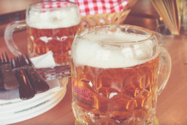 Пиво в Schweizerhaus в Вене