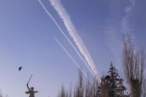 Воздушный трафик над Мамаевым Курганом
