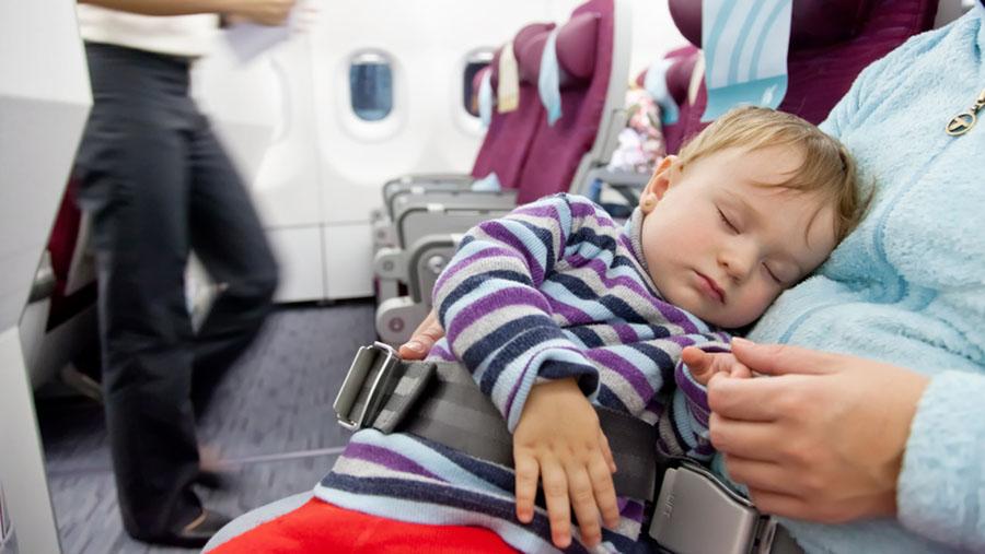 Билеты на самолет детский до какого возраста билет на самолет до сочи на 8 октября стоимость