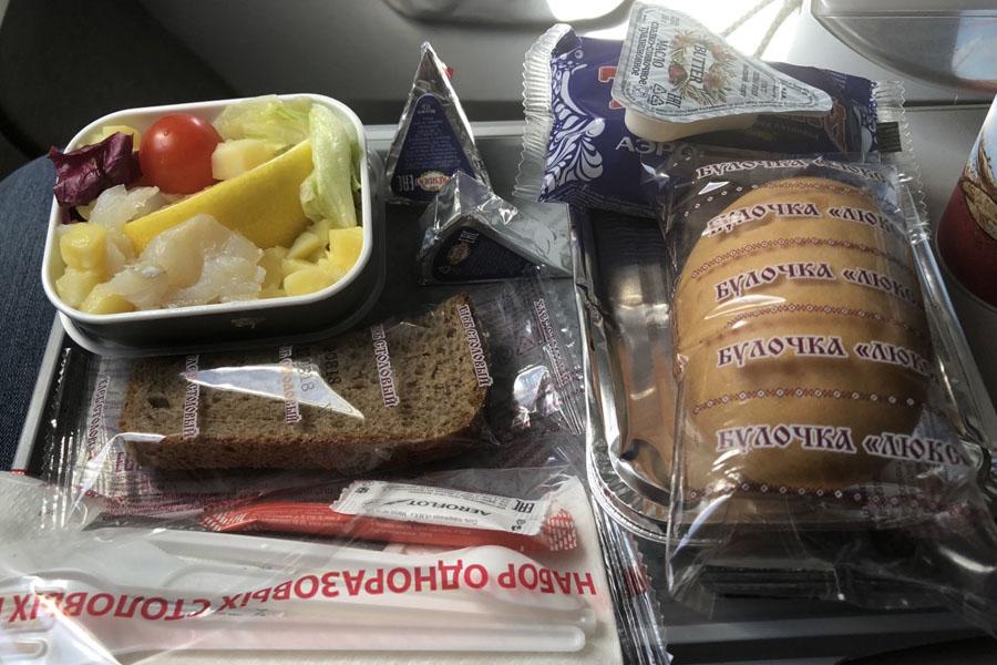Бортовое питание на рейсе Москва - Лондон в экономическом классе