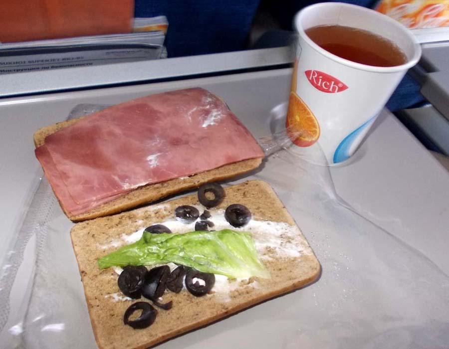 Бутерброд на рейсе Москва Пермь от Аэрофлота