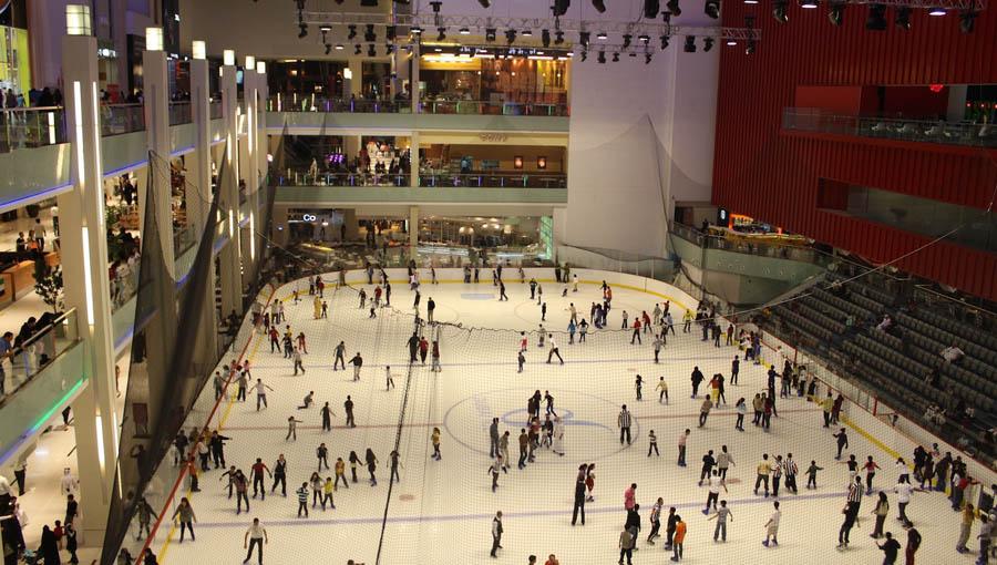 Ледовый каток в Дубай Молл