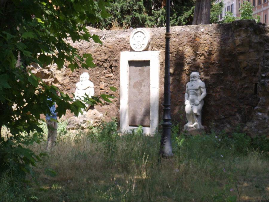 Порта Магика в Риме