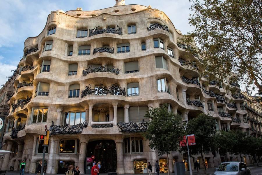 Casa Mila в Барселоне