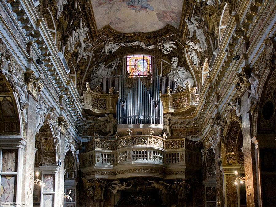 Церковь Santa Maria della Vittoria в Риме
