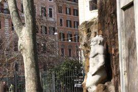 Дверь Алхимика в Риме