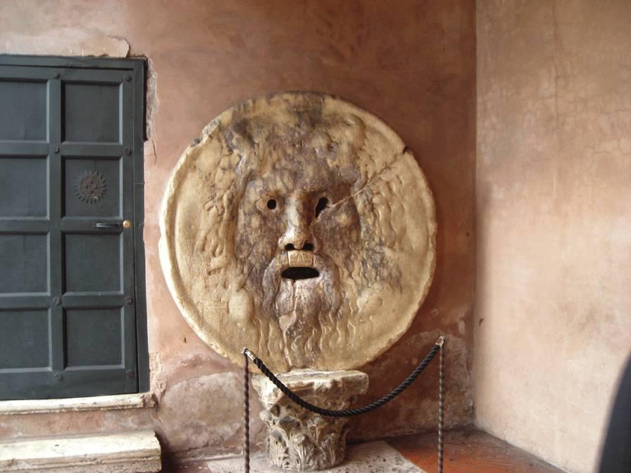 Рот правды в Риме