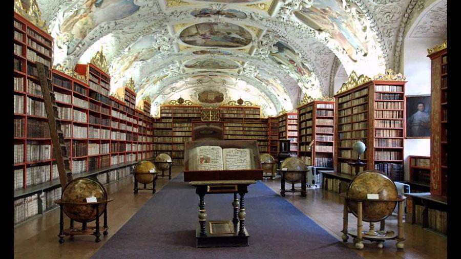 Библиотека страговского монастыря в Чехии