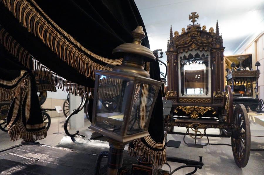 Музей погребальных карет Барселоны (Museu de Carrosses Fúnebres de Barcelona)