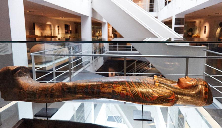 Экспонаты в египетском музее Барселоны