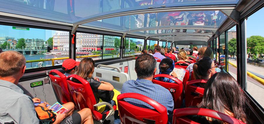 Второй этаж туристического автобуса