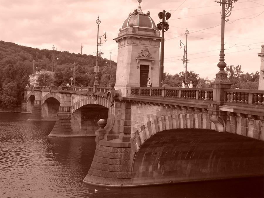 Фото Манесова моста