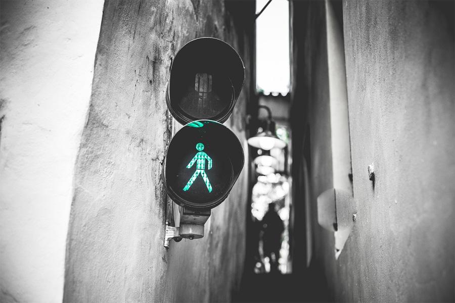 Светофор на улице Винарна Чертовка