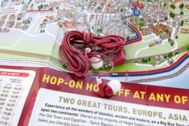 Карта и наушники от Биг Бас в Стамбуле