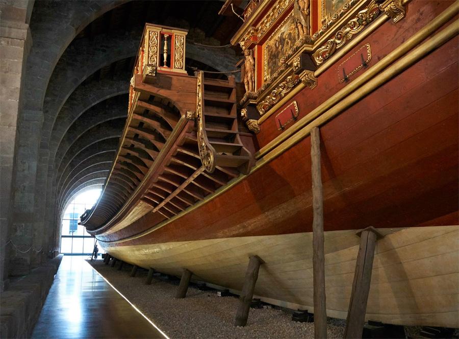 Корабль в морском музее