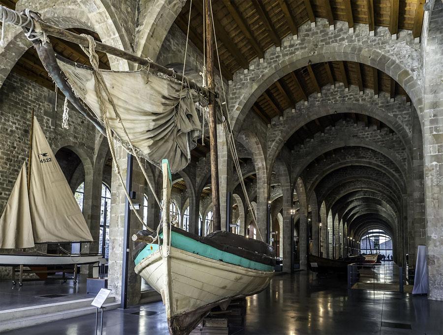 Интерьер морского музея