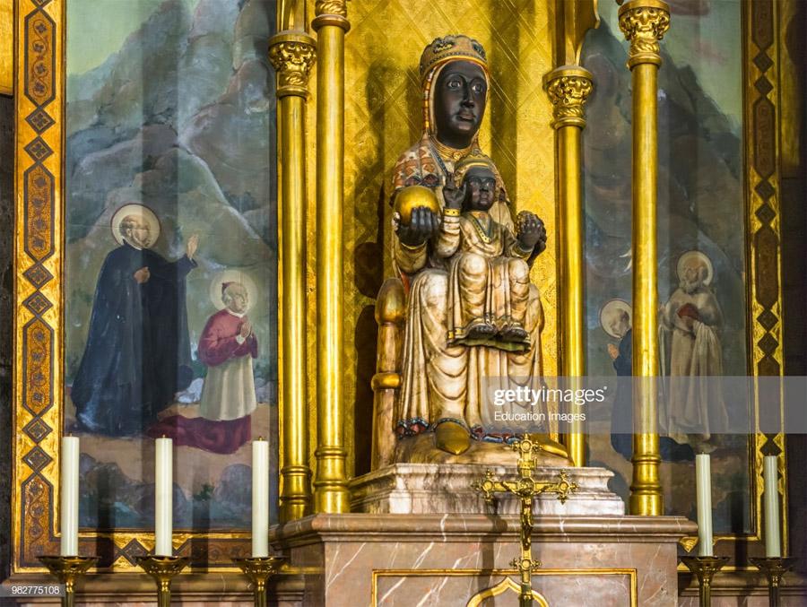 Интерьер Собора Святого креста
