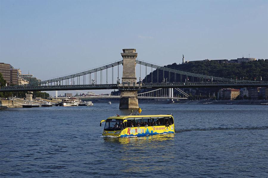 автобус-амфибия в Будапеште