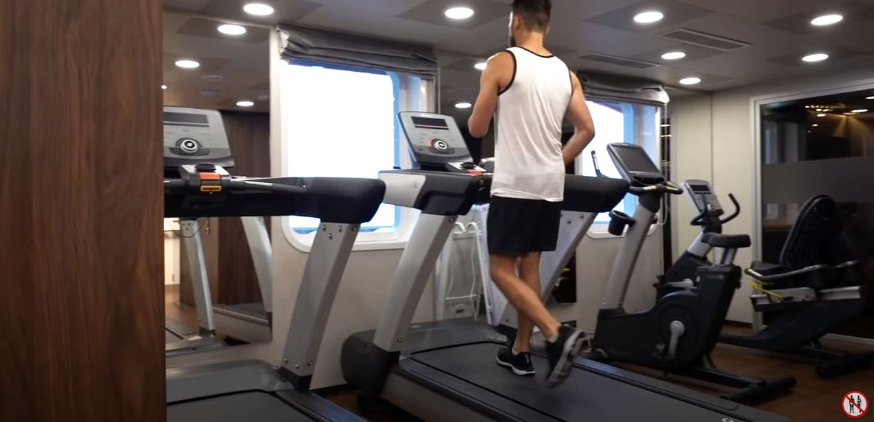 Фитнес зал на Мустай Кариме