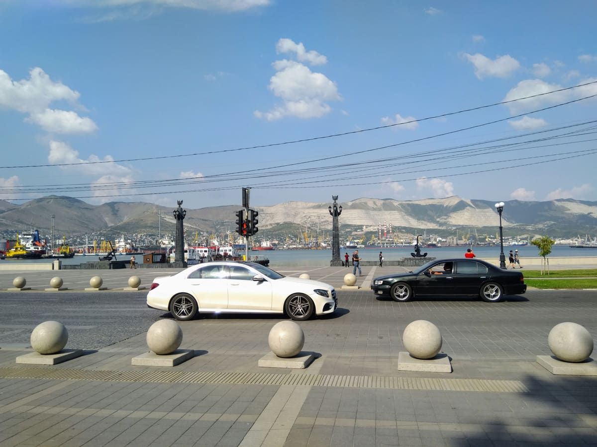 Переход у площади Героев